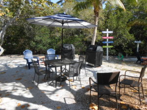 heron hideaway sunshine island outdoor sitting